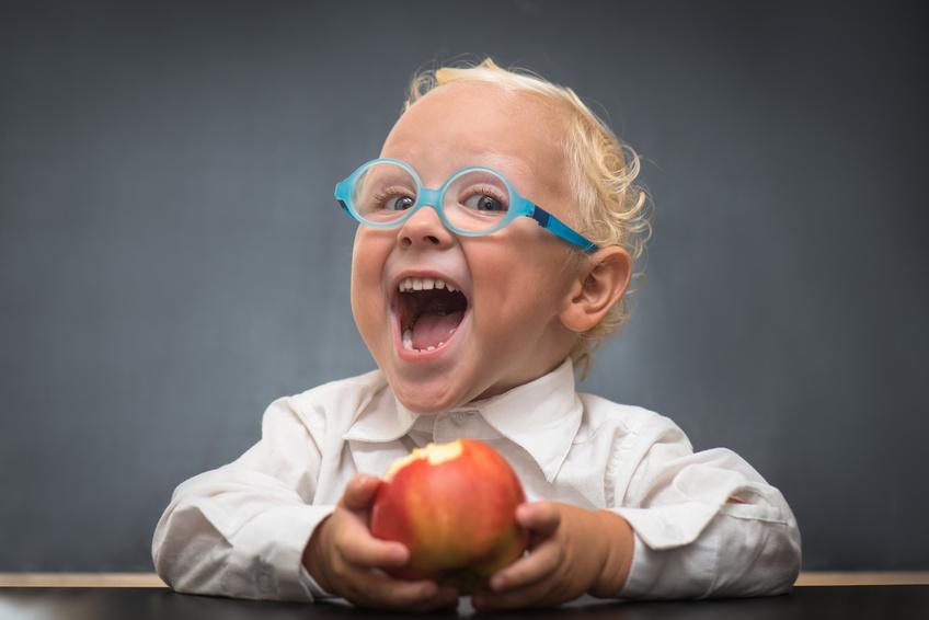 Kleinkind als Arzt